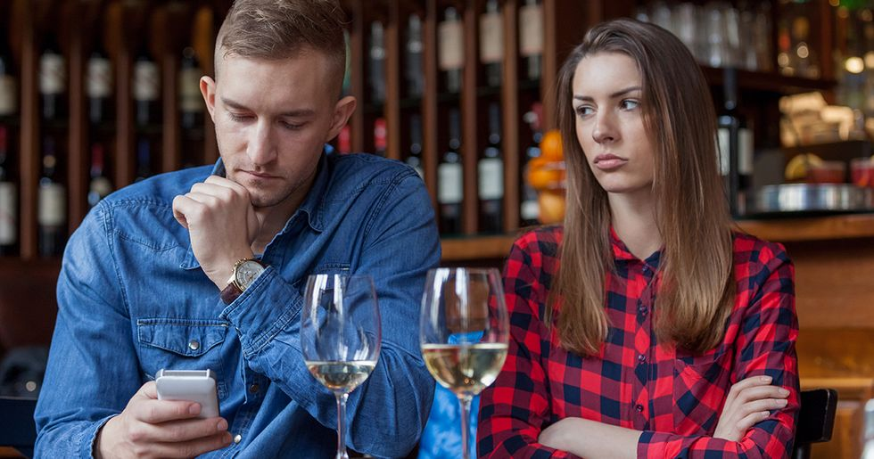 Single People Reveal Their Biggest Dating Red Flags
