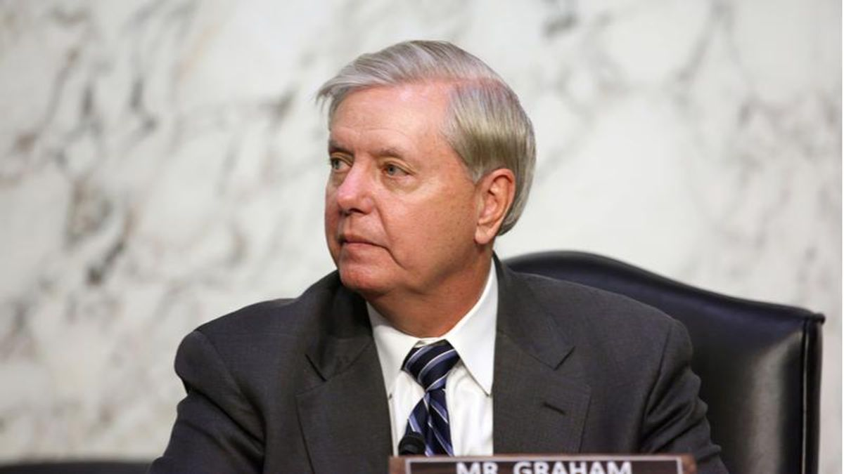 'Got a mirror handy?' Twitter scorches Lindsey Graham's call to identify and prosecute DC rioters