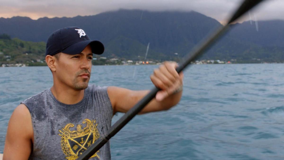 Thomas Magnum kayaking