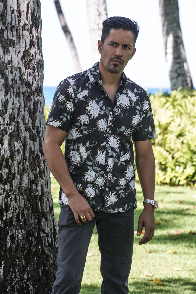 Magnum wearing one of his trademark Aloha shirts