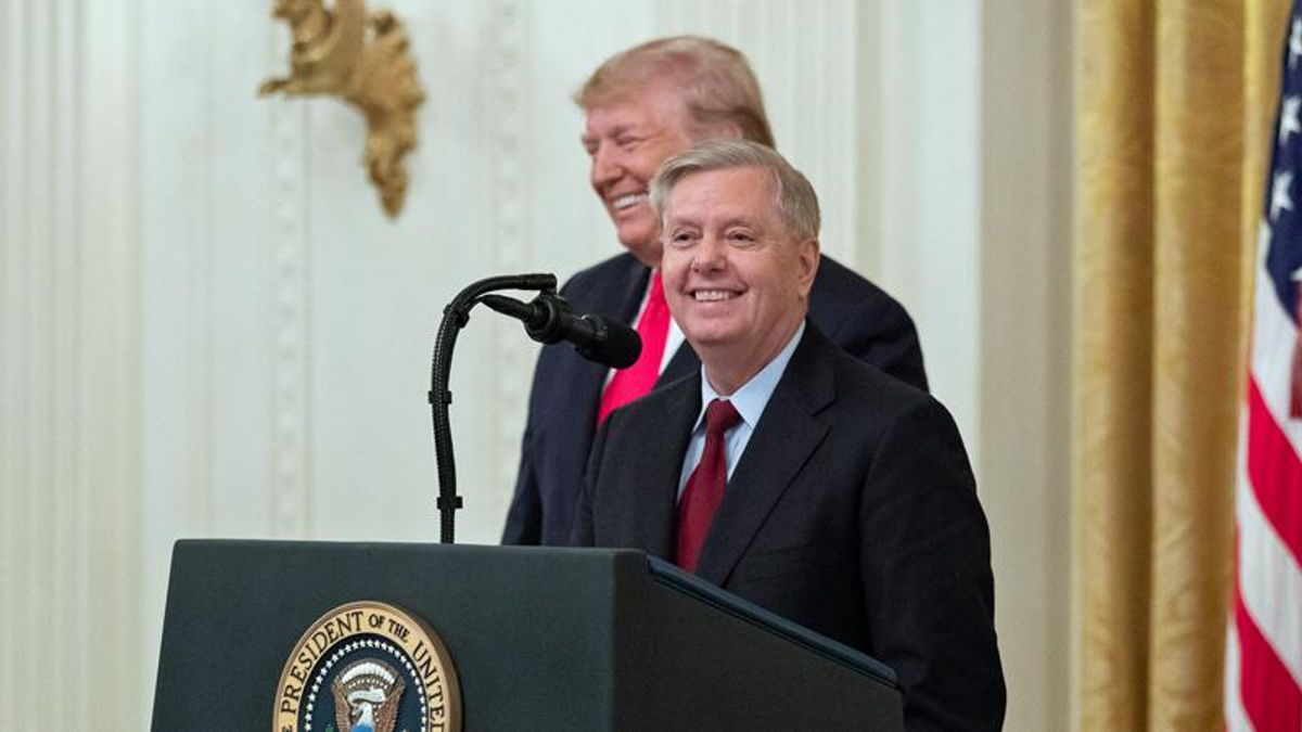 Here's why Lindsey Graham looks ridiculous opposing the impeachment of Donald Trump