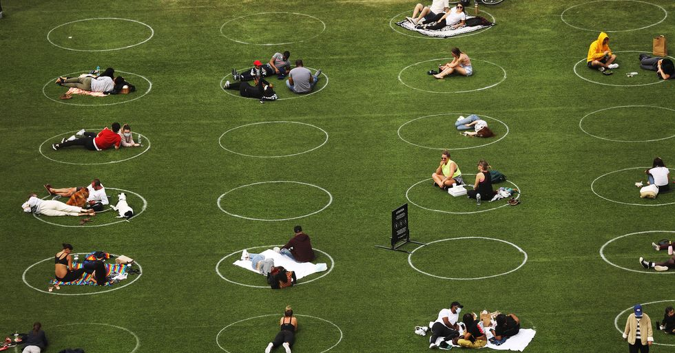 Brooklyn Park Paints Circles on the Grass to Ensure Social Distancing