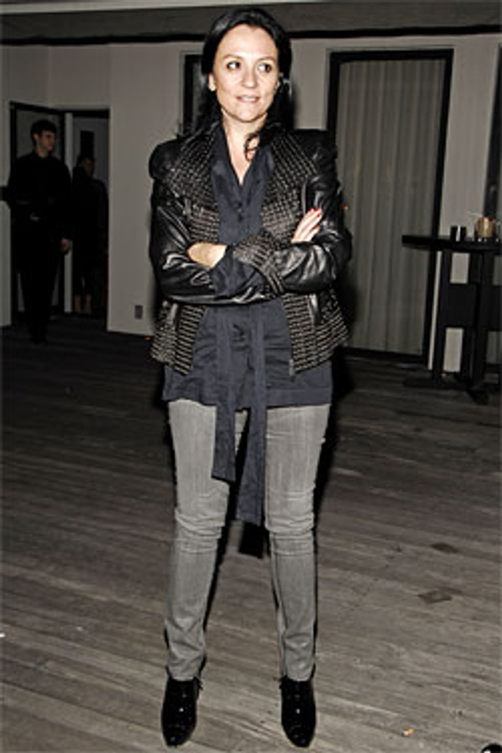 "Kelly Cutrone Goes ""Granola Girl"" + Tevas Return in Today's Style Scraps"