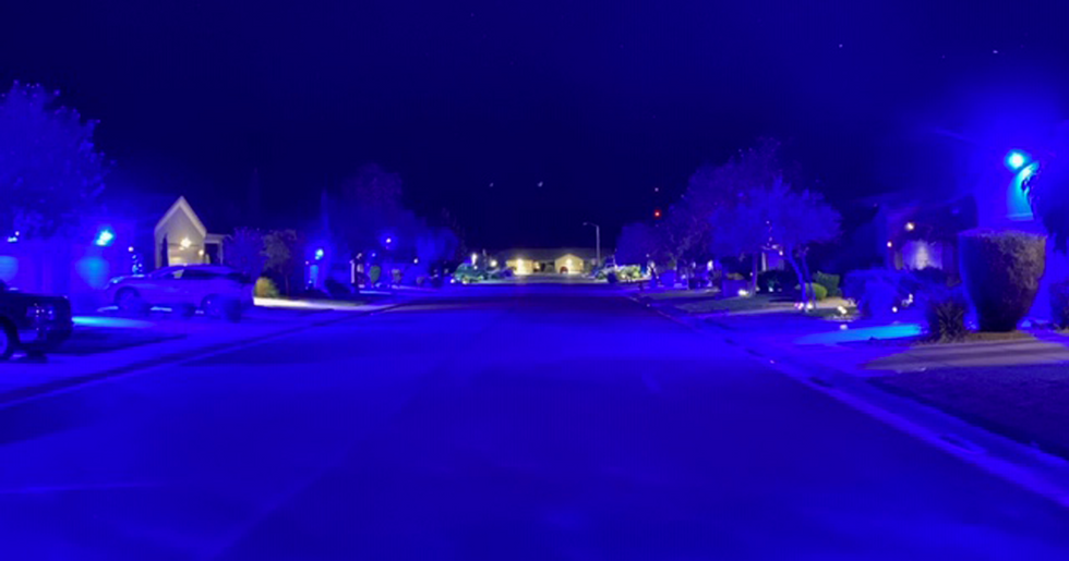 Nevada Neighborhood Lights up Blue to Show Support for Police