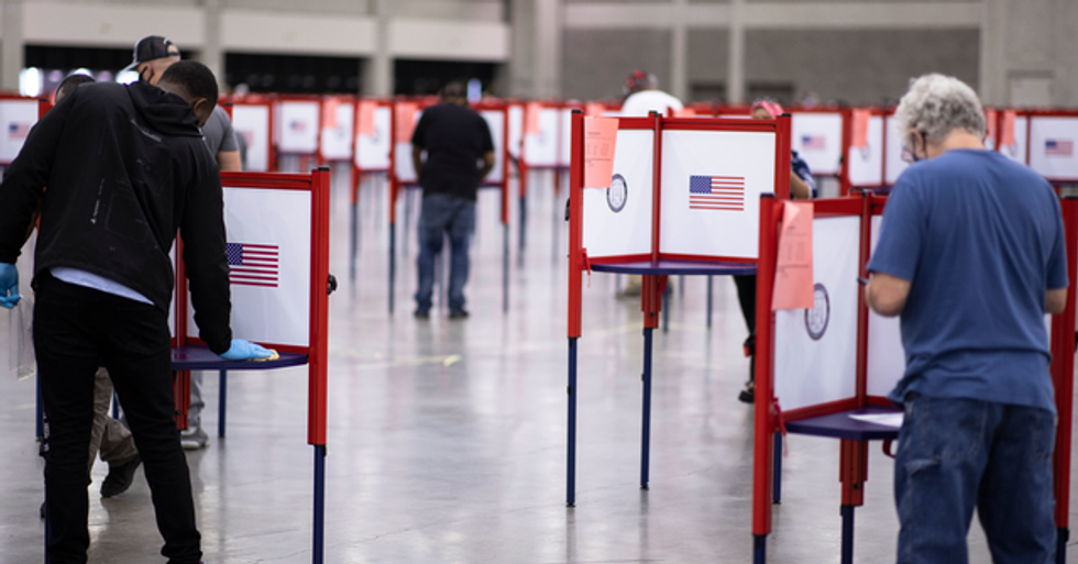 Old Navy Will Pay Its Employees To Work at Polling Stations on Election Day