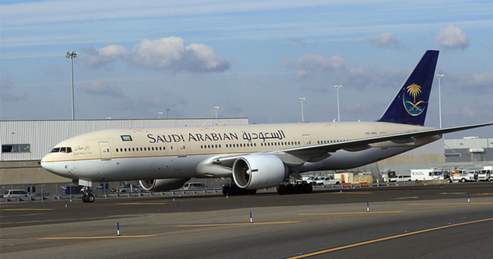 Plane Forced to Turn Around After 'Mom Leaves Baby at Airport'