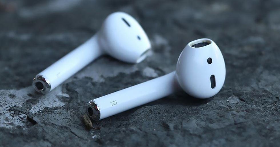 Man Swallows AirPod but Discovers It Still Works After Passing Through His Digestive System