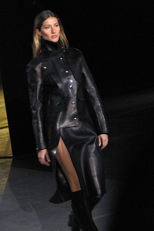 Gisele Bundchen Makes Surprise Appearance at the Alexander Wang Show