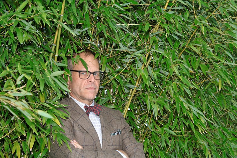 Alton Brown on Eating Purple Vegetables, the State of Cooking TV and Why You Shouldn't Say Hi to Him When He's at a Urinal
