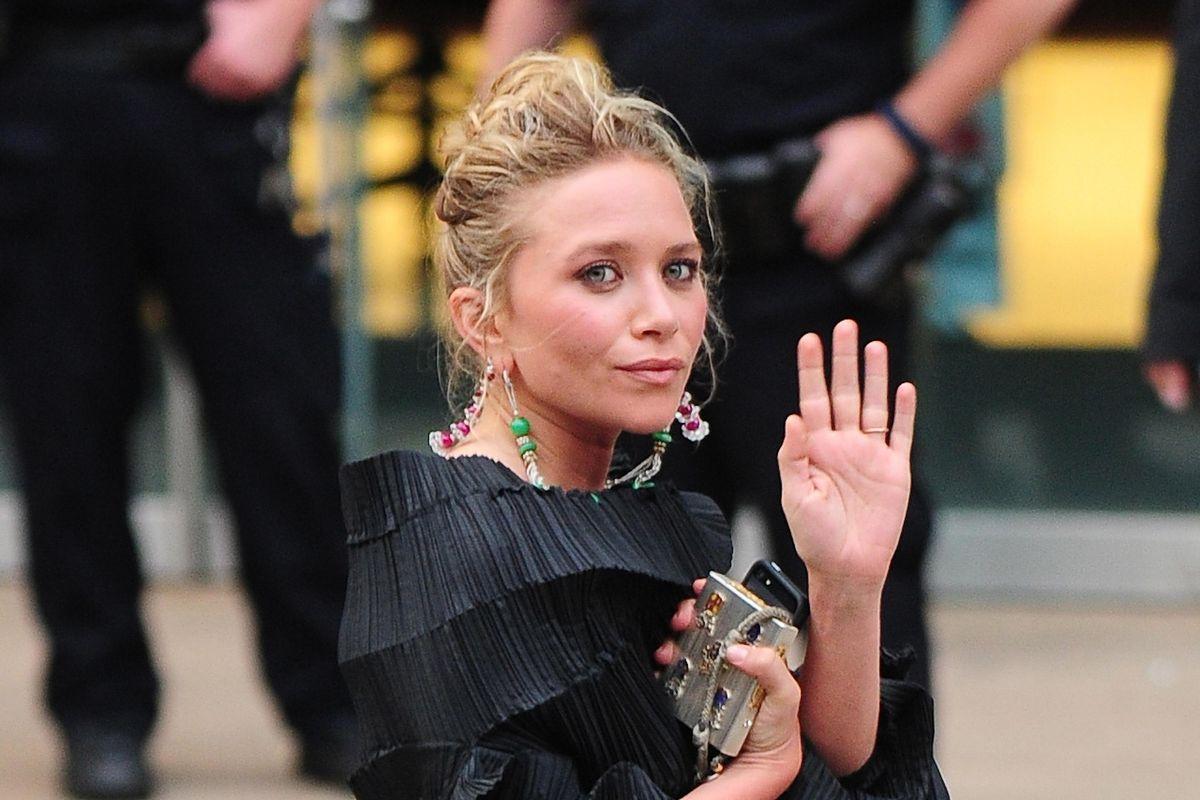 Mary-Kate Olsen's Zoom Divorce Sparks Memes