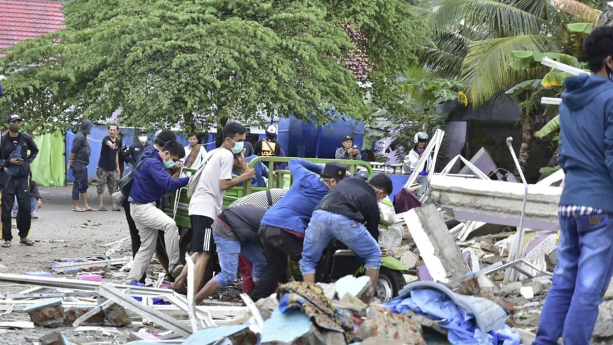 Indonesia Earthquake Kills Dozens and Destroys Hospital