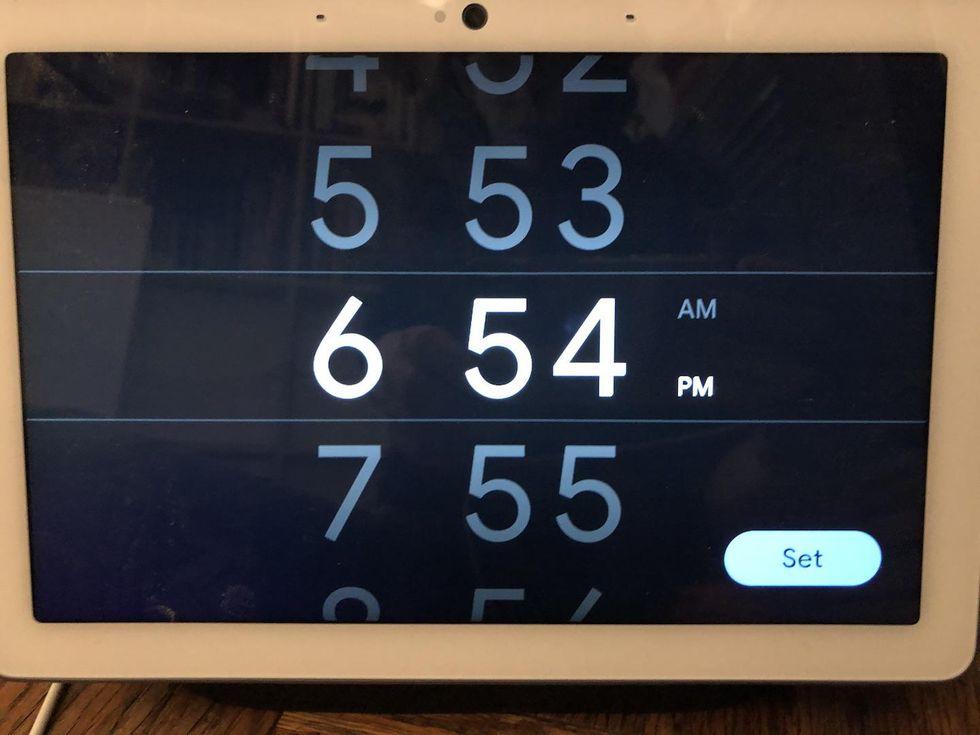 Configuración de alarma en Nest Hub Max