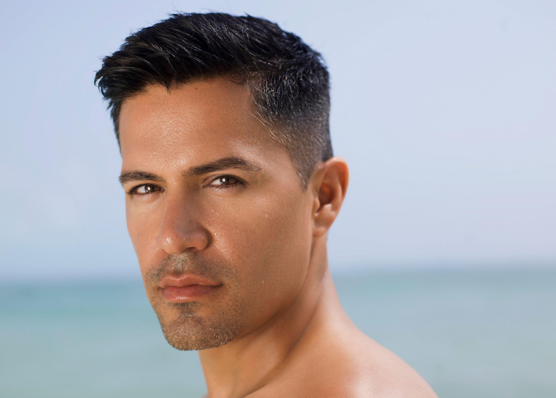 Jay Hernandez at the beach