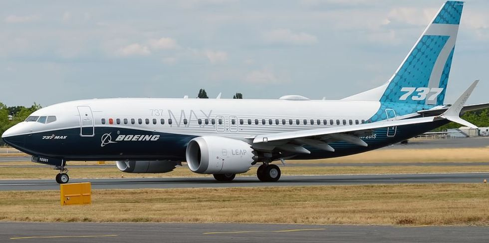 Boeing 737 Crashes Into Sea After Falling 10,000 Foot After Takeoff
