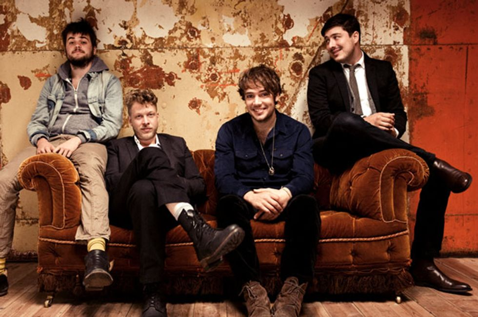 Top of the Pops: Mumford & Sons Are # 1 + Taylor Dethrones Psy