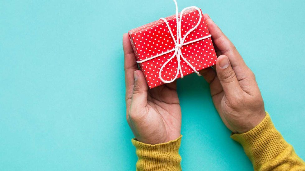 Save Money, Give Time: The Ultimate 8 Step Present for Your Parent