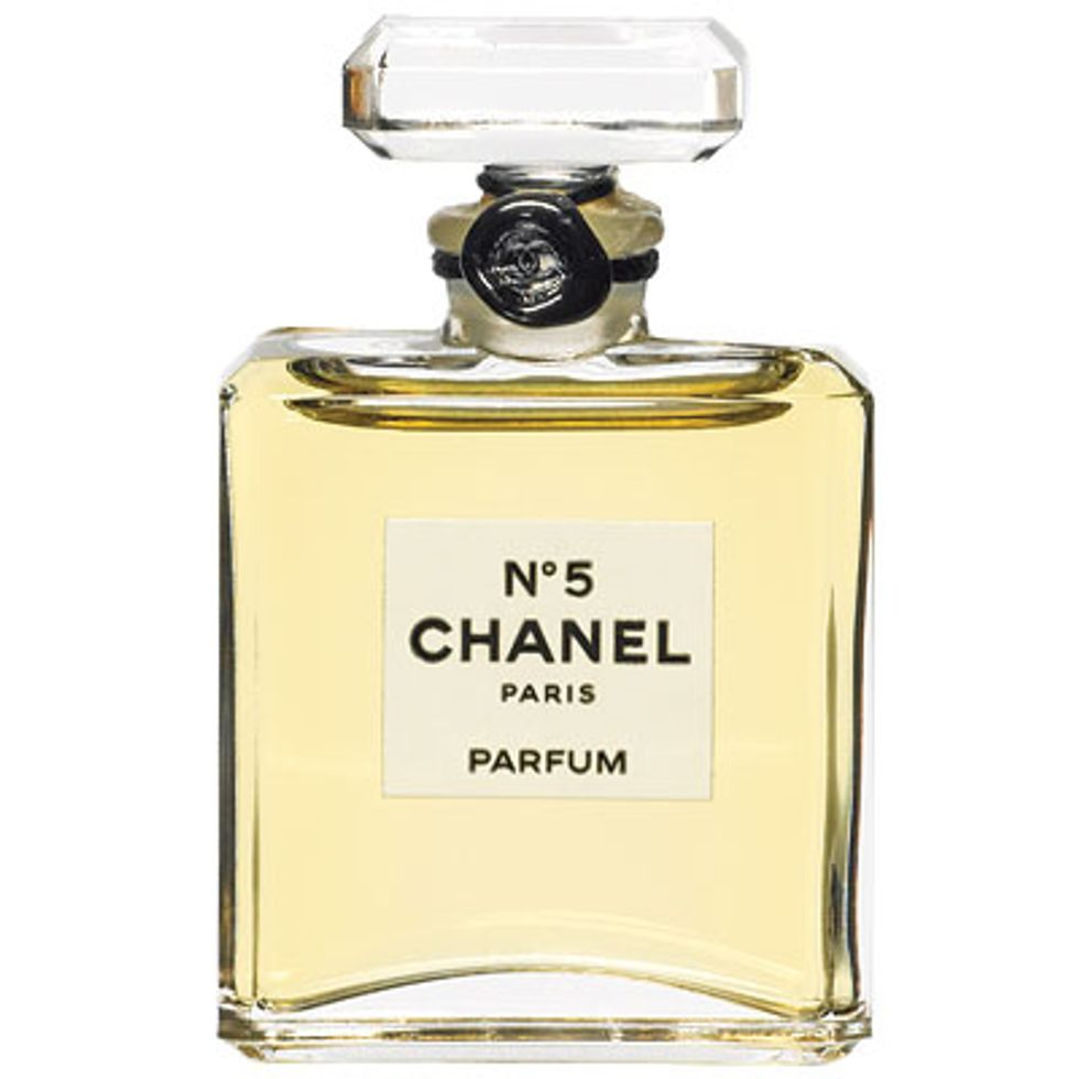 Sample Sale or Line to Vote? + Chanel No. 5 Might Be Banned in Today's Style Scraps
