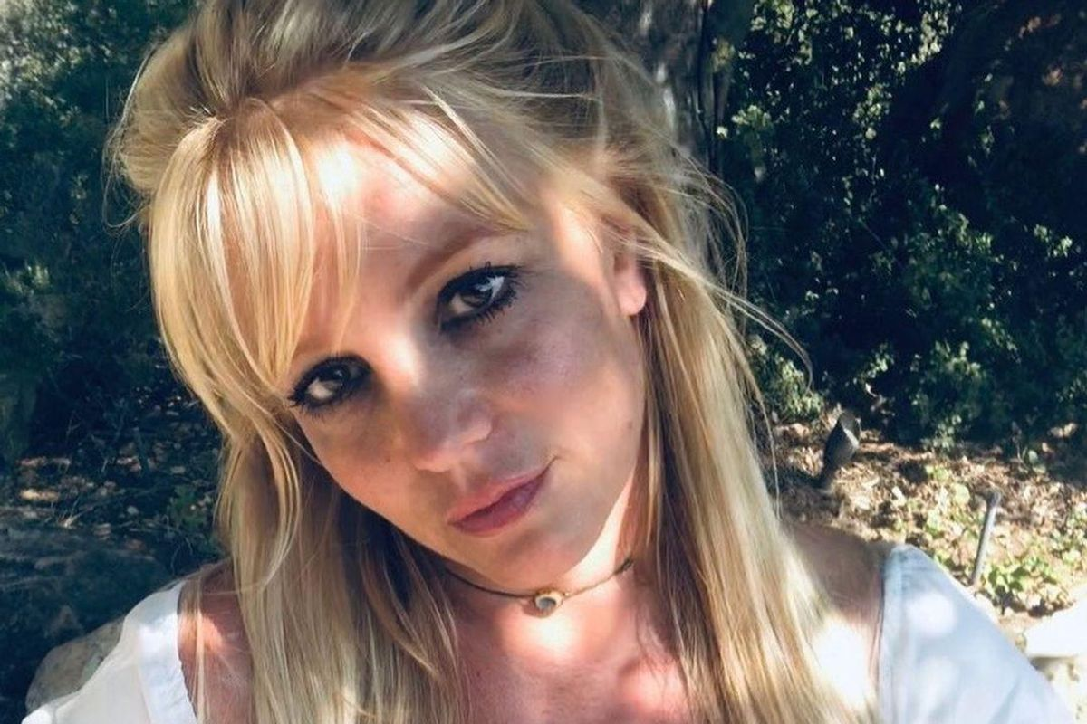 Britney Spears' Social Media Manager Speaks Out