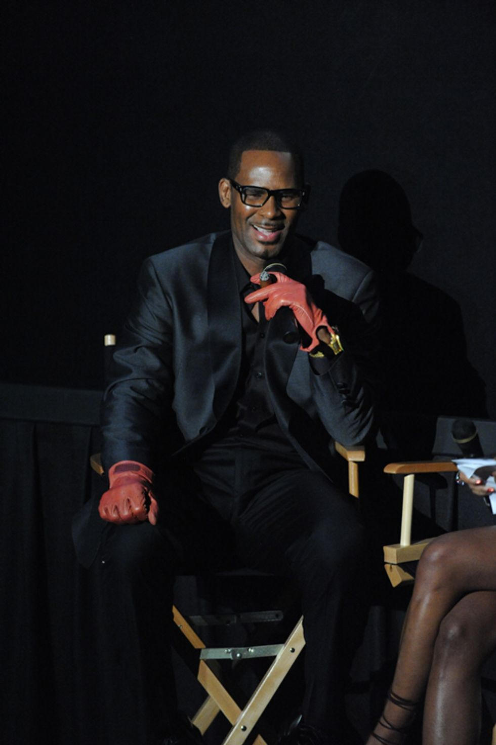 """The Hook Is That There Is No Hook:"" R. Kelly on the New Episodes of ""Trapped in the Closet"""