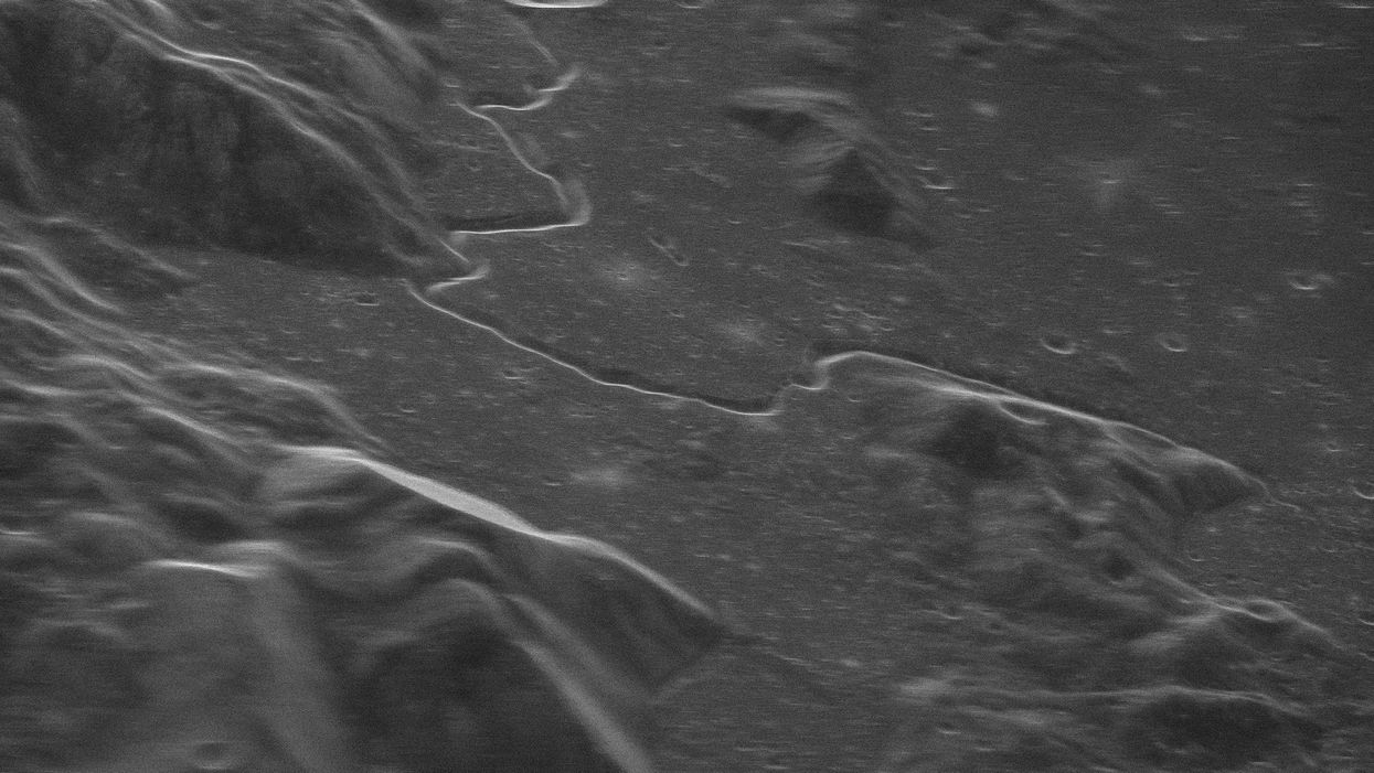New radar tech takes unbelievably detailed moon images from Earth