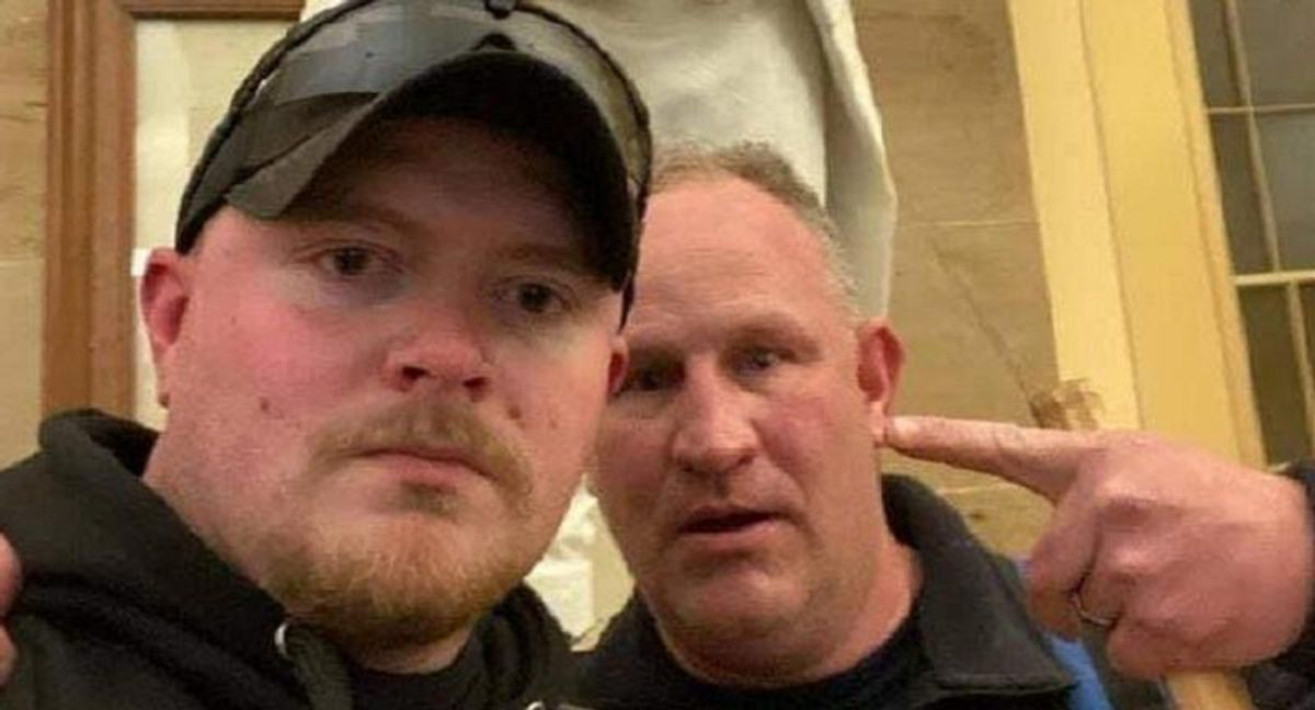 Virginia cops who posed for selfies after breaking into Capitol get fired