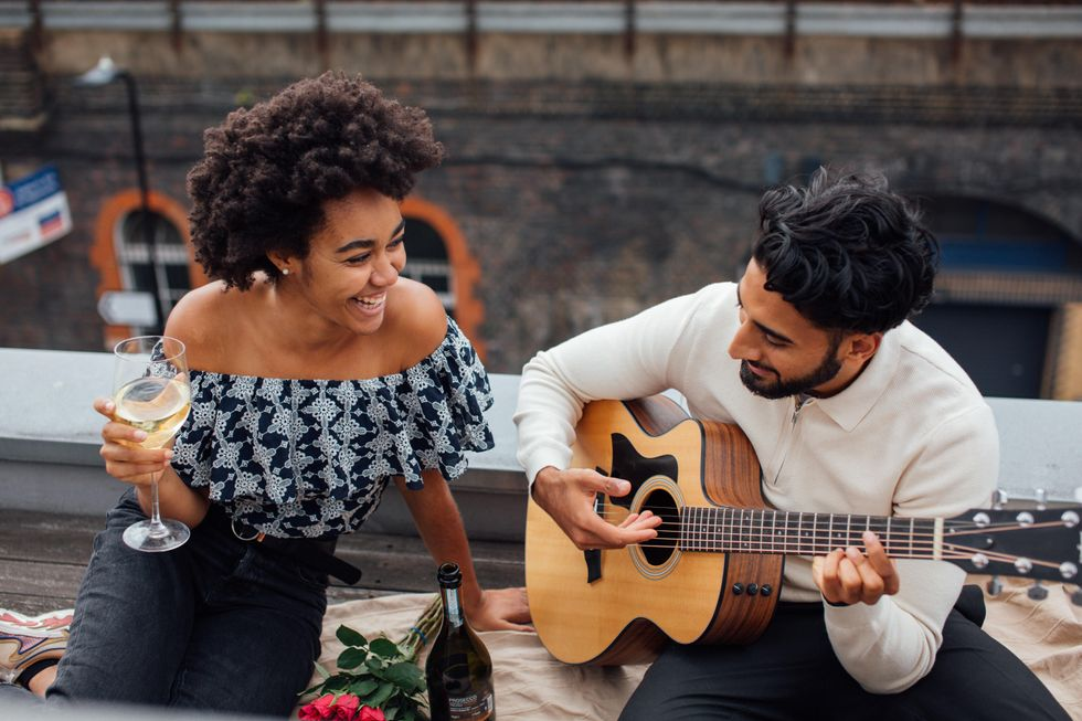 15 Inexpensive Date Ideas For Couples On A Budget