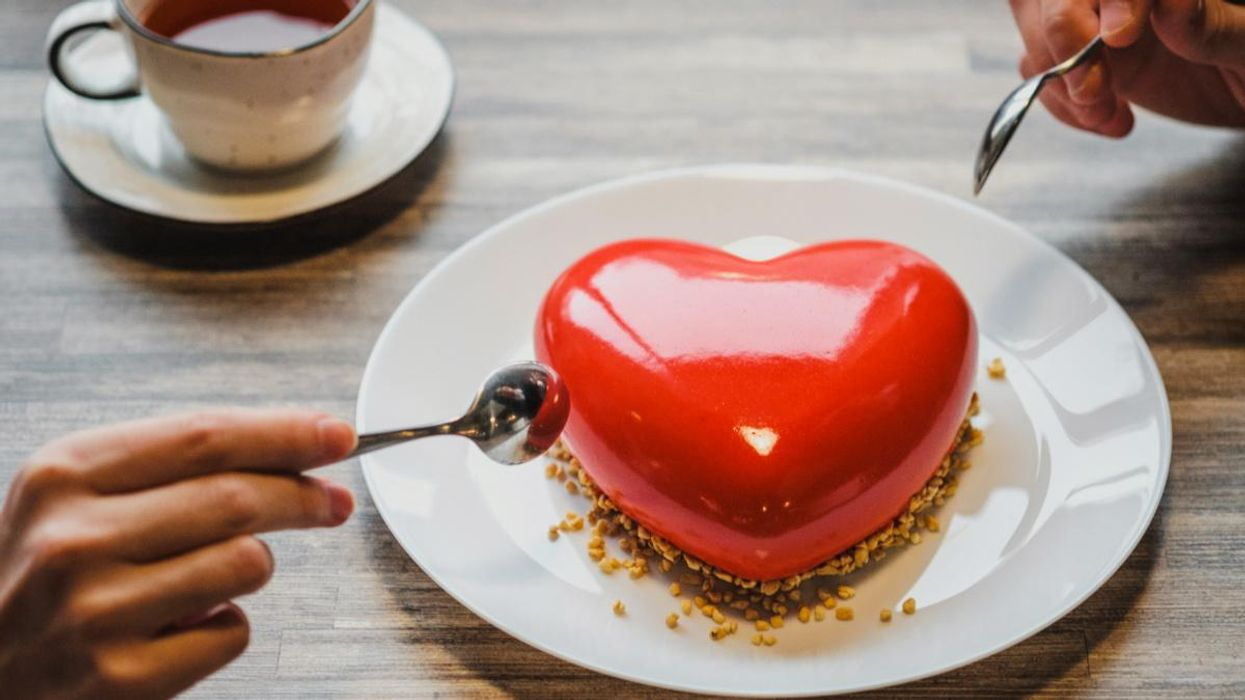 An Epidemiologist Explains Why You Shouldn't Dine Out for Valentine's Day