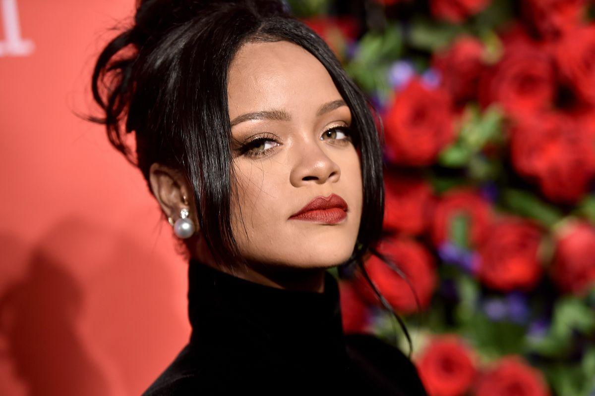Rihanna Criticized For Wearing Hindu God Pendant in Topless Photo