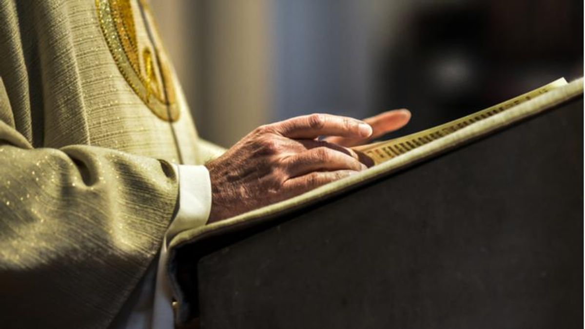 Priest at lockdown-defying Catholic church dies after contracting COVID-19