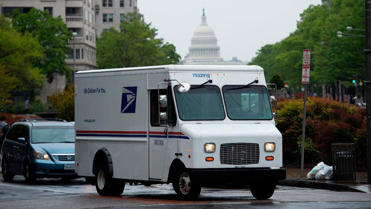 New USPS Fleet to Include Some Electric Vehicles, Some Gas With Electric Retrofit Potential
