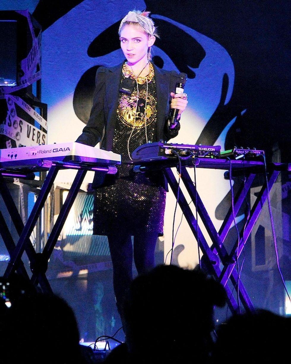 Grimes Is Co-Hosting MTV's VMAs Red Carpet