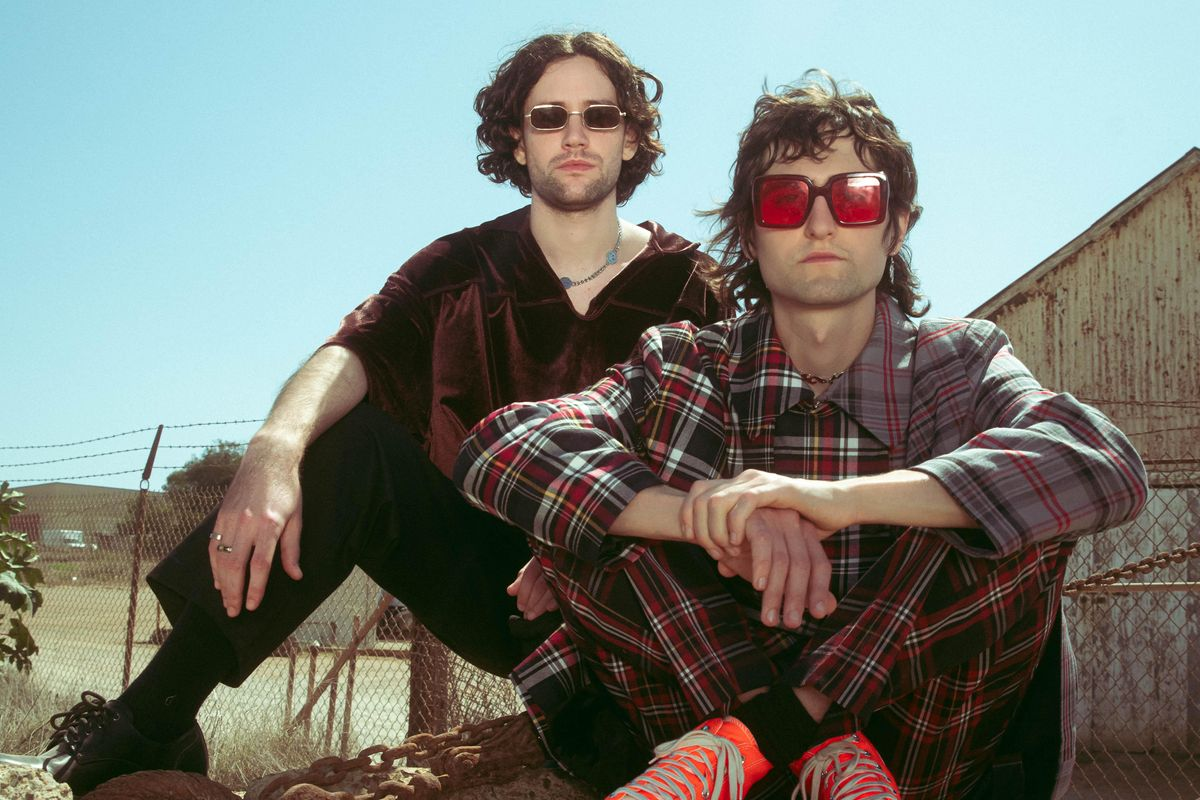 Dream-Pop Duo Sports Has 'The Look'