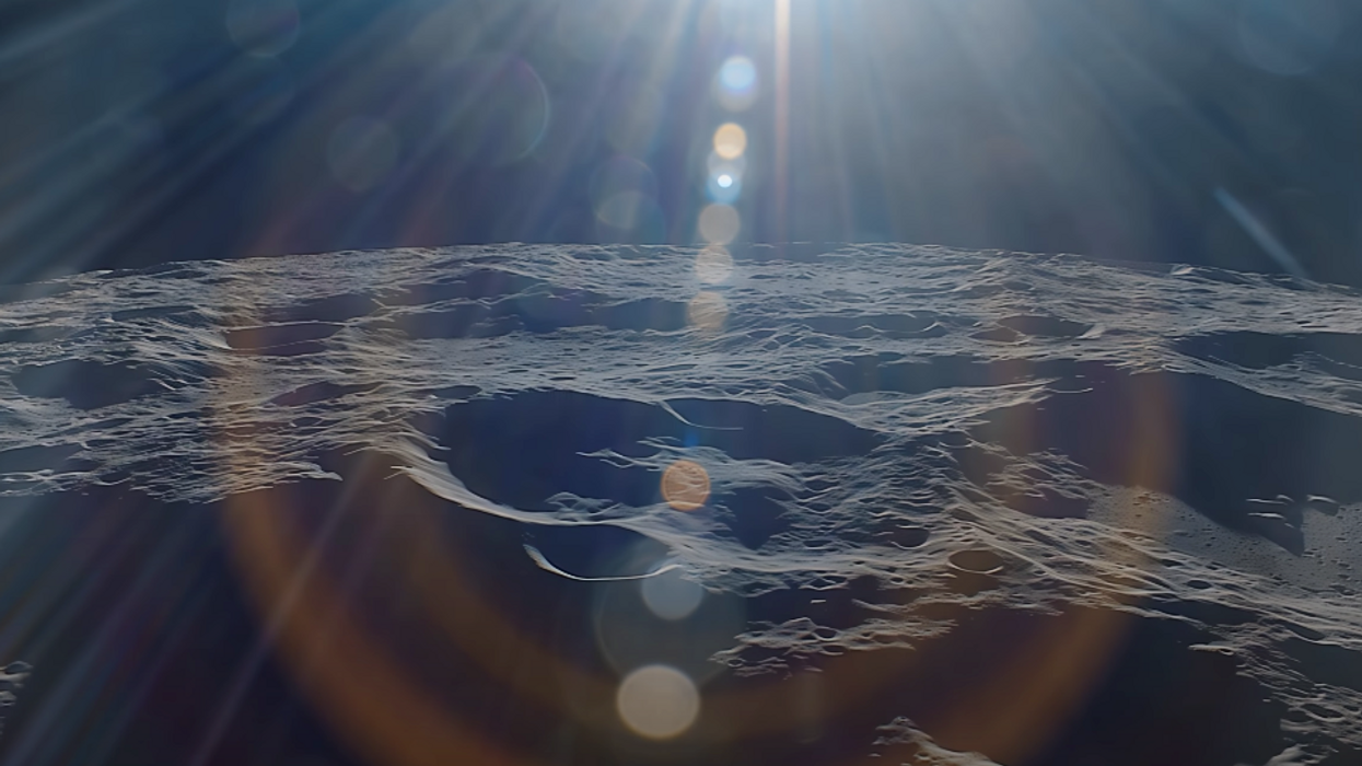 Video: Here's what it's like to orbit the moon in real time