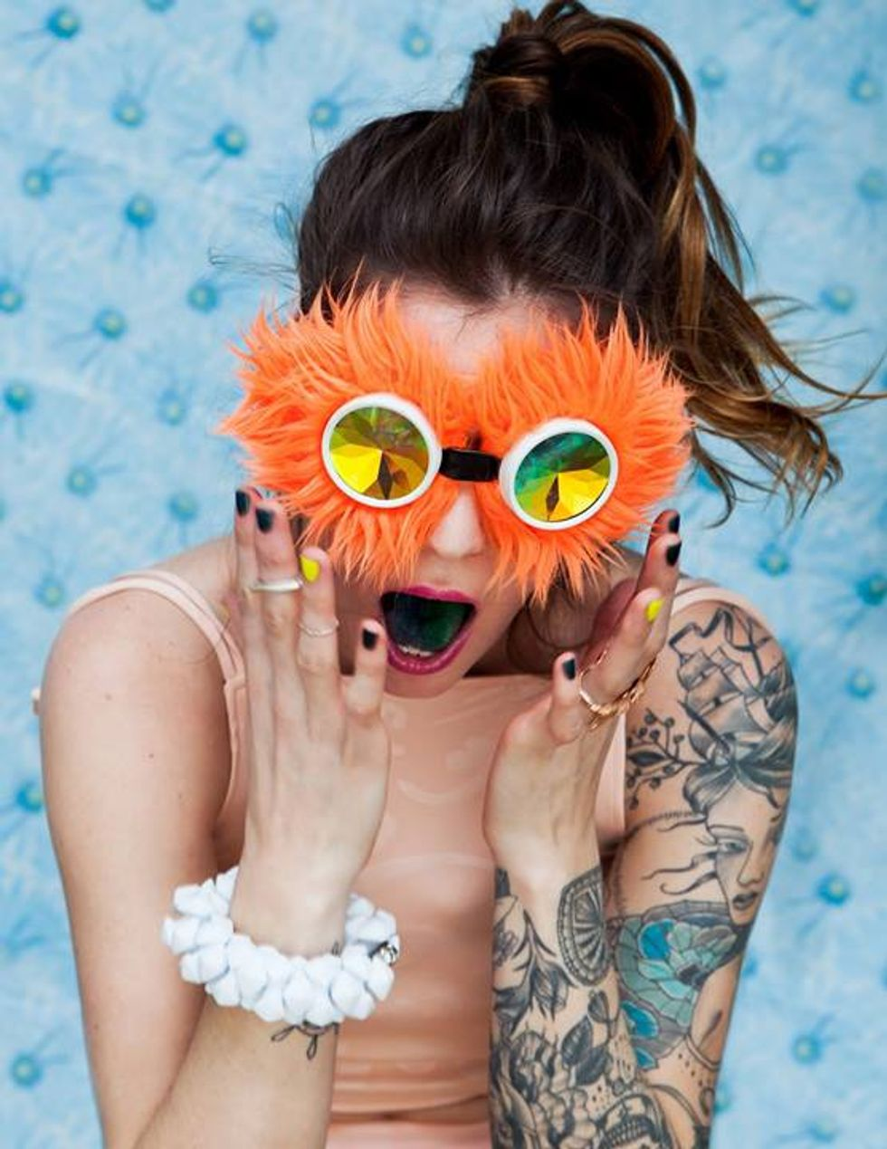 Seasick Mama: The Buzzy Pop Singer Who Gives Good Face