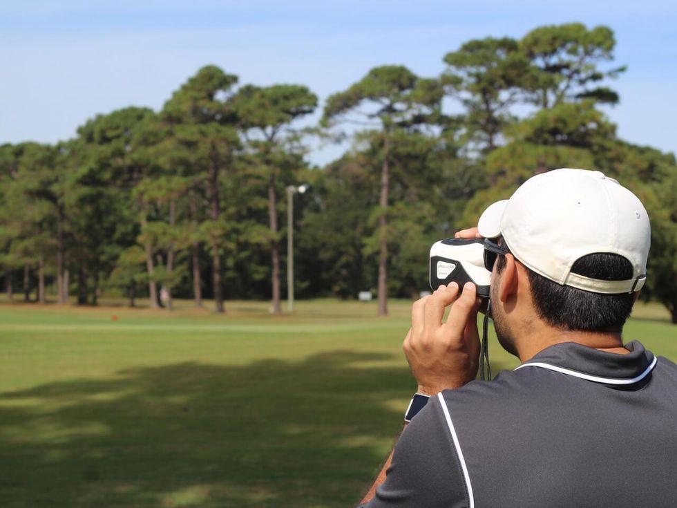 How Does A Golf Rangefinder Work?
