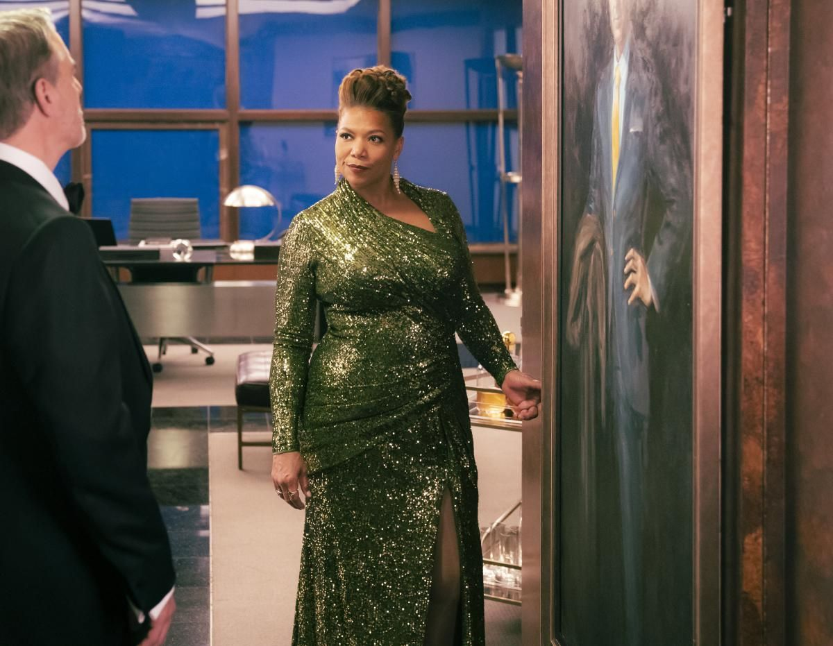 \u200bQueen Latifah in a green gown on the set of The Equalizer