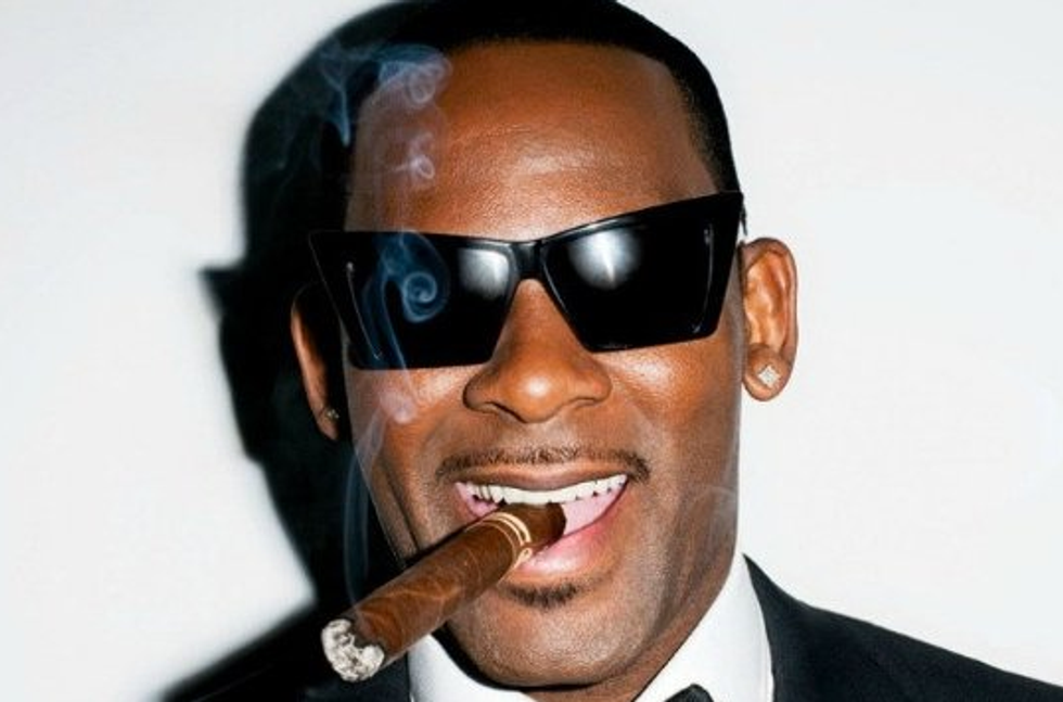 """R. Kelly's New Song """"Genius"""" Is Un-Ironically Good"""