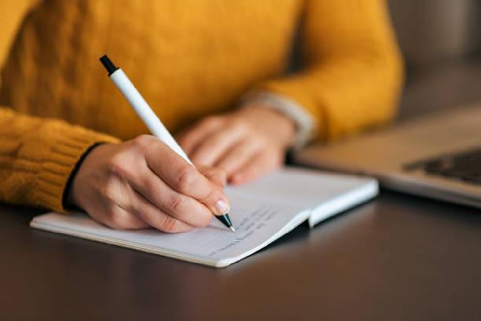 Proficient Rhetorical Analysis Essay Writing Tips - A Complete Guide 2021