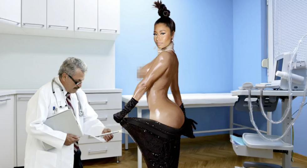Watch Nicki Minaj Play Kim Kardashian On Saturday Night Live