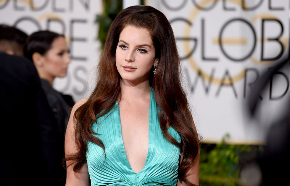 """Lana Del Rey Teams Up with Producer Emile Haynie on """"Wait For Life"""""""