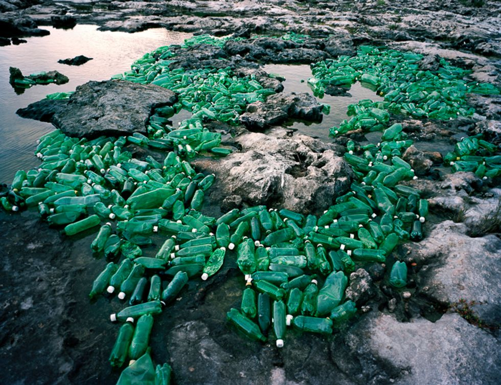 Artist Alejandro Duran Creates Stunning, Site-Specific Sculptures From Trash