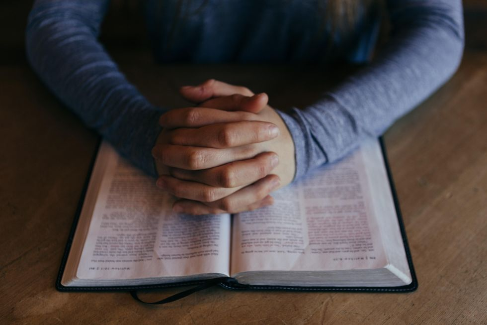 15 Bible Verses To Read For Holy Week