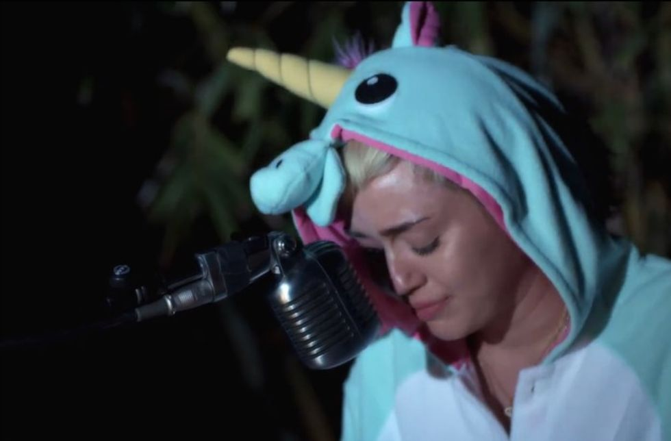 Miley Cyrus Writes a Touching Tribute for Her Dead Blowfish