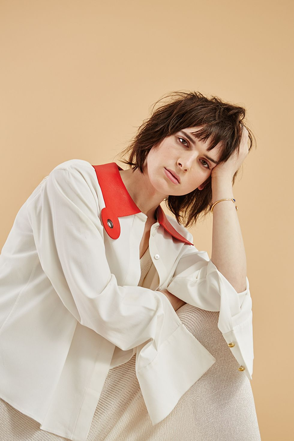 Trans Model Hari Nef Signs to IMG
