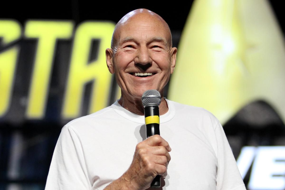 Patrick Stewart making an announcement