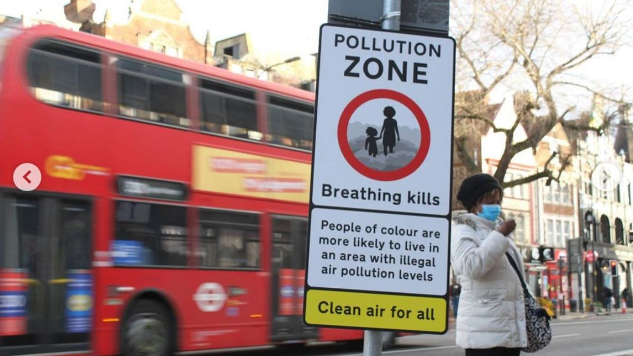 Teenage Activists Post Signs to Warn of Toxic Air in London Neighborhoods
