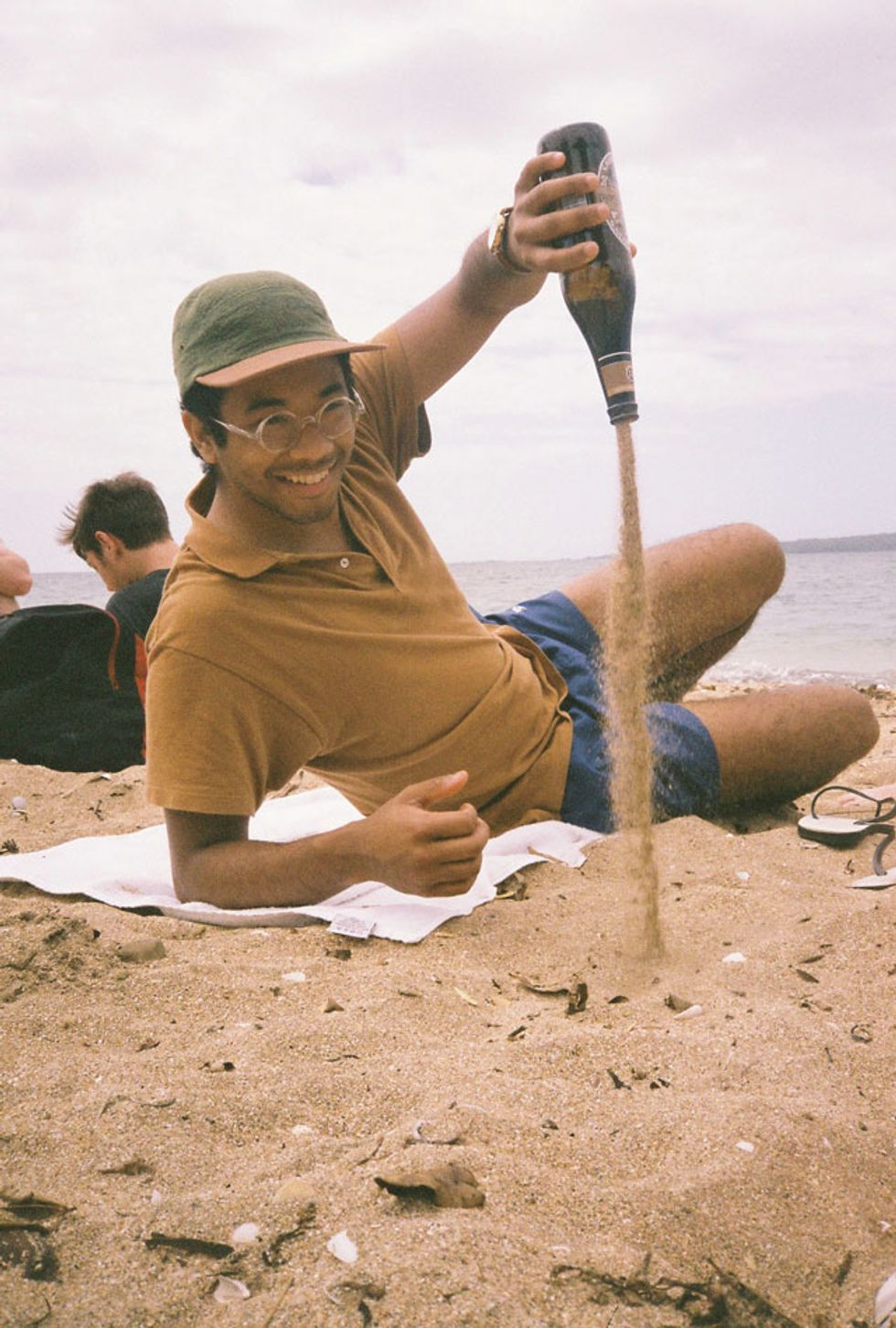"""Toro Y Moi Chills with Kool A.D. and SAFE on """"2Late"""""""