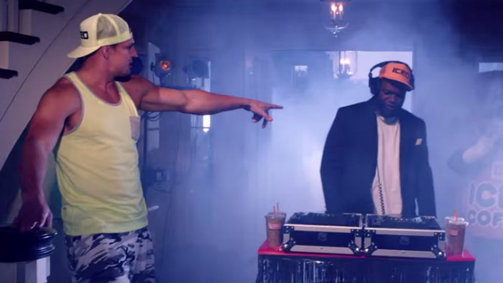 "Gronk and Big Papi Try to ""Turn it Up,"" But Did They Succeed?"