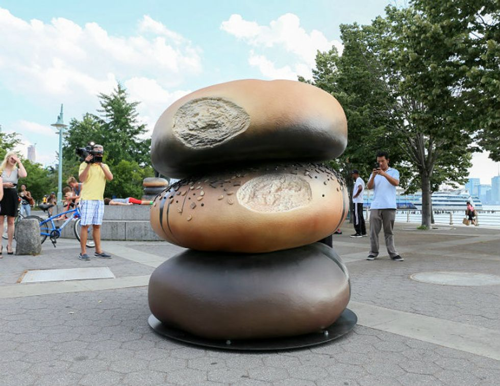 Pop Some Seeds: New York Has a Bagel Statue