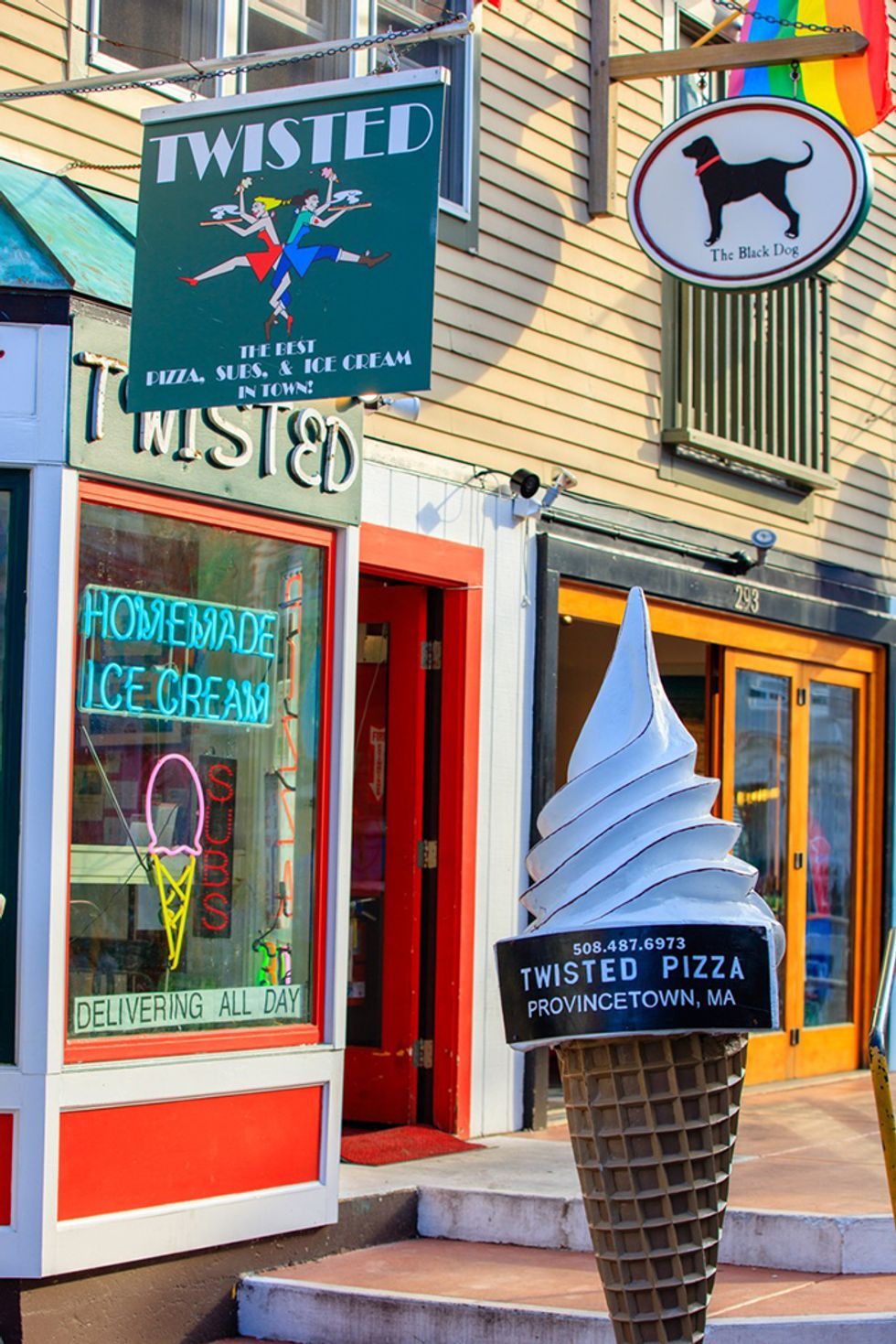 A Timeline for a Perfect Night Out in Provincetown